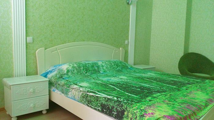 2-комнатная квартира посуточно в Севастополе. Ленинский район, ул. Сенявина, 2. Фото 1