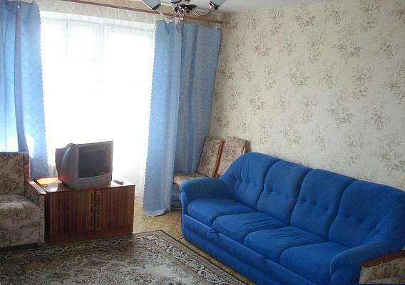 1-комнатная квартира посуточно в Кременчуге. ул. 60 лет Октября, 20. Фото 1