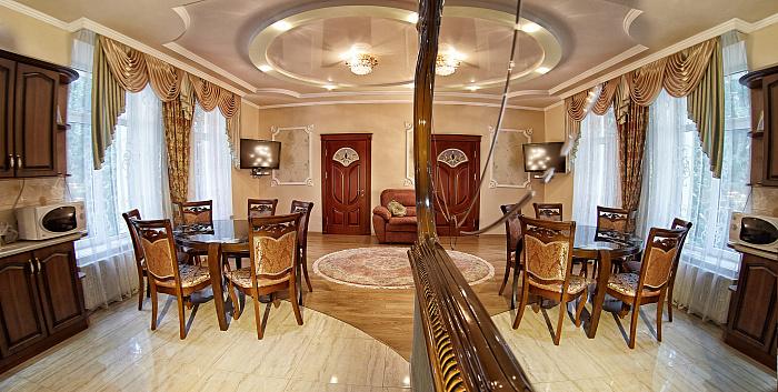 2-комнатная квартира посуточно в Львове. Лычаковский район, ул. Ивана Франко, 23. Фото 1