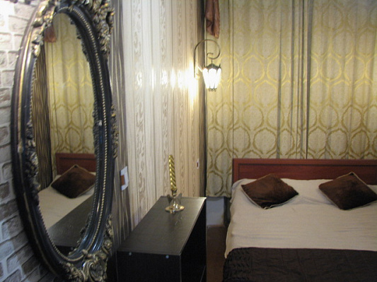 2-комнатная квартира посуточно в Львове. Железнодорожный район, ул. Братьев Махновских, 8. Фото 1