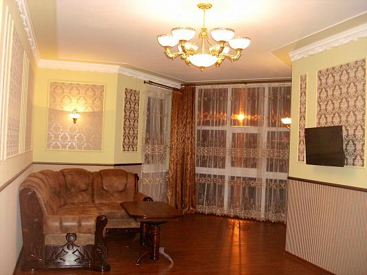 2-комнатная квартира посуточно в Трускавце. ул. Владимира Ивасюка, 7а. Фото 1