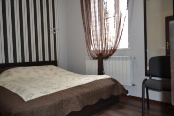 1-комнатная квартира посуточно в Черновцах. Первомайский район, ул. Украинская, 9. Фото 1
