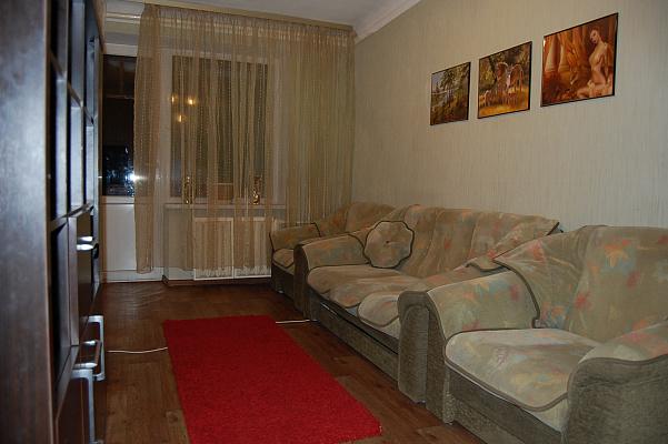 2-комнатная квартира посуточно в Киеве. Святошинский район, Котельникова. Фото 1