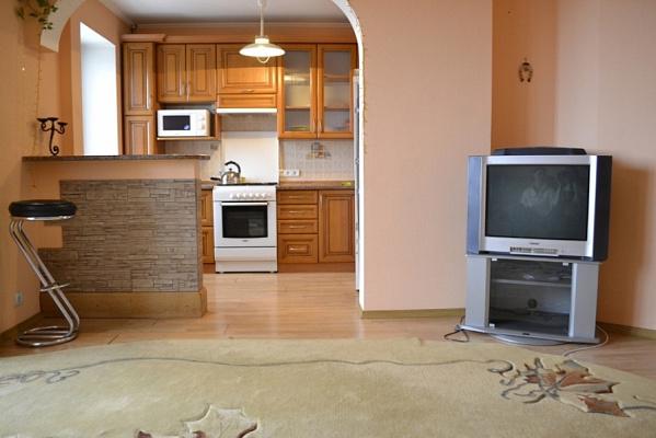 1-комнатная квартира посуточно в Каменце-Подольском. пр-т Грушевского, 56. Фото 1