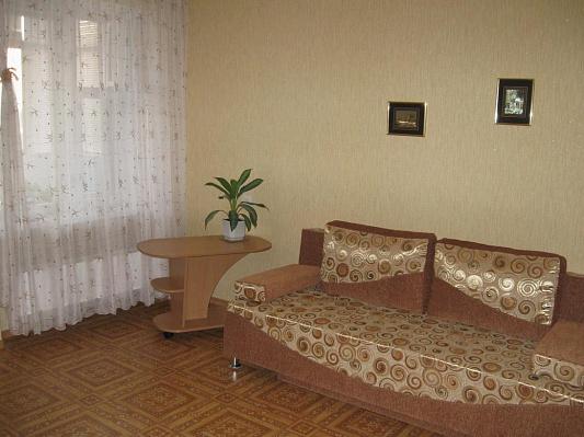 1-комнатная квартира посуточно в Кременчуге. 101-й квартал, 3. Фото 1