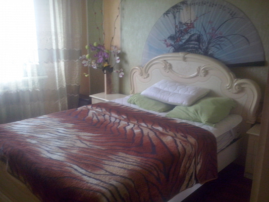 2-комнатная квартира посуточно в Краматорске. ул.Бульвар Краматорский , 15. Фото 1
