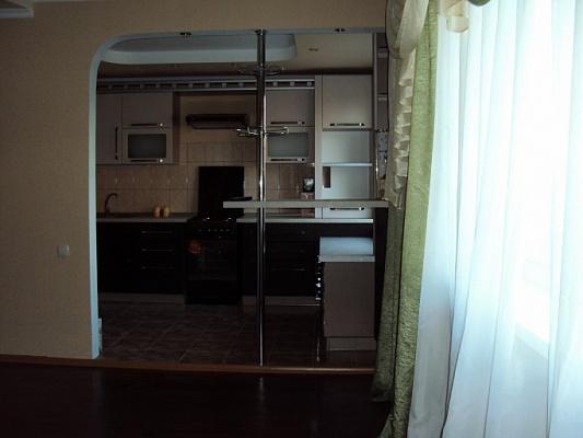 2-комнатная квартира посуточно в Донецке. Киевский район, пр-т Киевский, 38. Фото 1