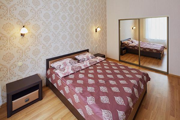 2-комнатная квартира посуточно в Львове. Галицкий район, ул. Пантелеймона Кулиша, 4. Фото 1