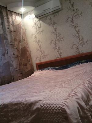 1-комнатная квартира посуточно в Ровно. ул. Гагарина, 65. Фото 1