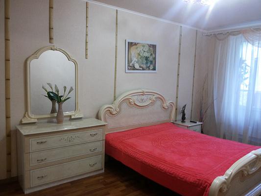 1-комнатная квартира посуточно в Харькове. Киевский район, ул. Академика Павлова, 309. Фото 1