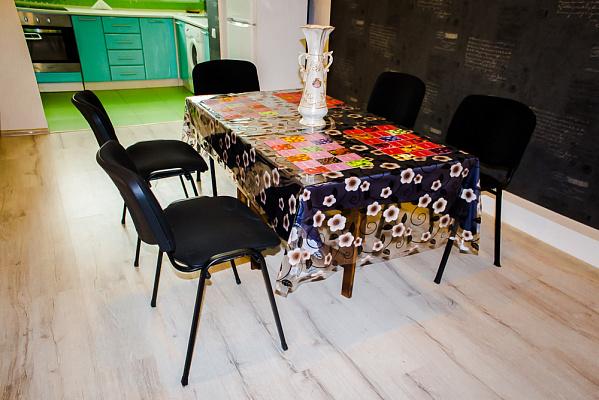 2-комнатная квартира посуточно в Черновцах. Шевченковский район, ул. Воробкевича, 3. Фото 1