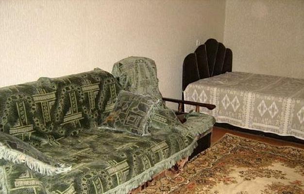 1-комнатная квартира посуточно в Севастополе. Гагаринский район, ул. Сталинграда, 26. Фото 1