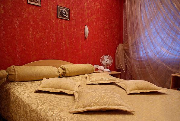 2-комнатная квартира посуточно в Тернополе. ул. Замковая, 5. Фото 1
