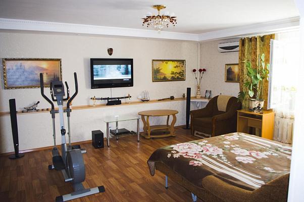 2-комнатная квартира посуточно в Партените. Фрунзенское Шоссе, 6а. Фото 1