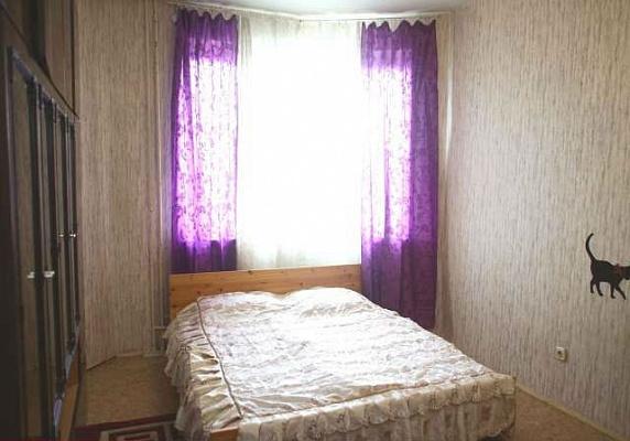 2-комнатная квартира посуточно в Херсоне. Суворовский район, ул. Украинская, 3. Фото 1
