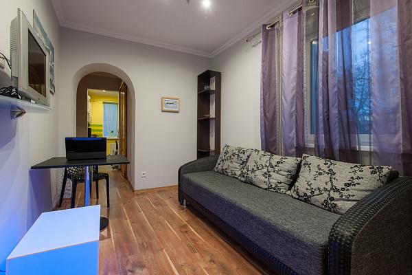 4-комнатная квартира посуточно в Черновцах. Первомайский район, ул. Эдуарда Райса, 12. Фото 1