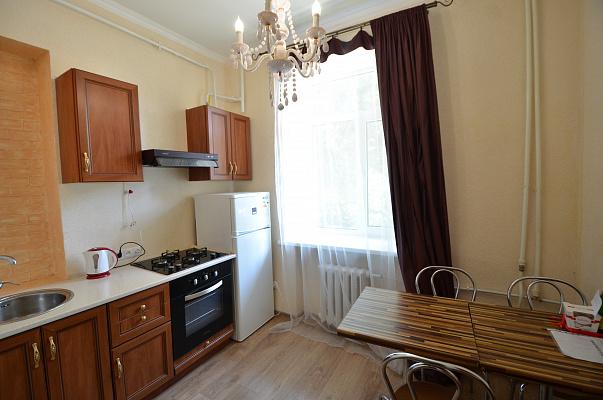 1-комнатная квартира посуточно в Николаеве. Центральный район, ул. Адмиральская, 29. Фото 1