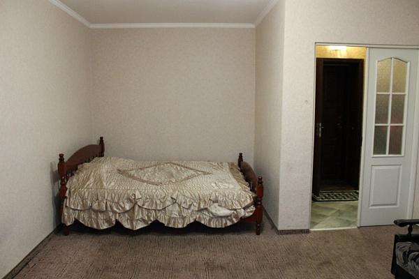 1-комнатная квартира посуточно в Чернигове. Деснянский район, Проспект Победы, 102. Фото 1