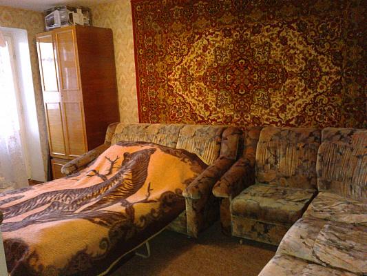 2-комнатная квартира посуточно в Энергодаре. ул. Центральная, 8. Фото 1