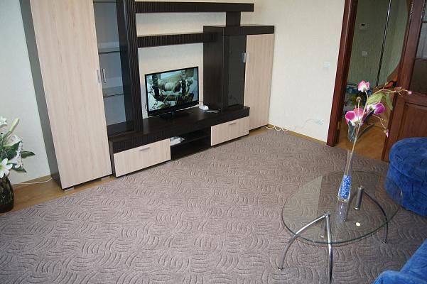 2-комнатная квартира посуточно в Житомире. ул. Киевская, 17. Фото 1