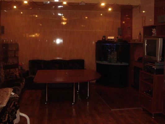 Дом  посуточно в Запорожье. Жовтневый район, улица Вербовая, 26а. Фото 1