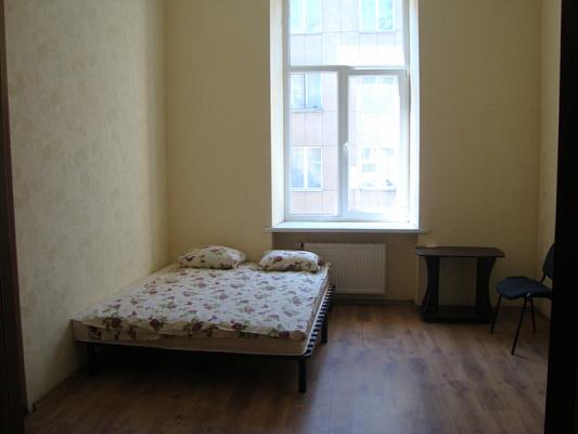 4-комнатная квартира посуточно в Львове. Галицкий район, ул. Петра Дорошенко, 17. Фото 1