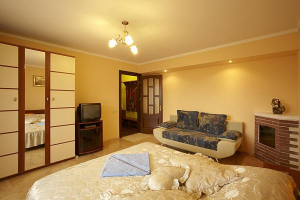 1-комнатная квартира посуточно в Львове. Железнодорожный район, ул. Морозенко, 5. Фото 1