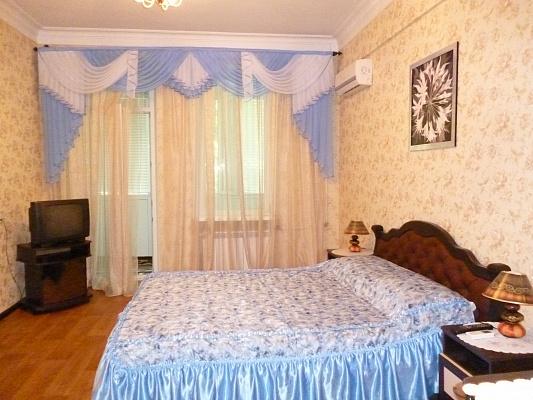 1-комнатная квартира посуточно в Кривом Роге. Дзержинский район, ул. Димитрова, 51. Фото 1