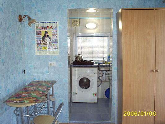 1-комнатная квартира посуточно в Евпатории. ул. Караимская. Фото 1