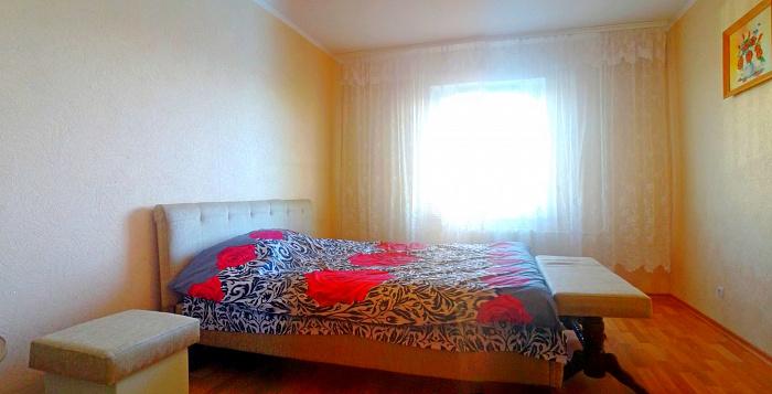 1-комнатная квартира посуточно в Киеве. Деснянский район, Драйзера, 42. Фото 1