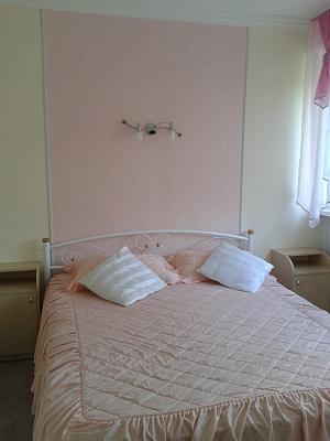 2-комнатная квартира посуточно в Партените. ул. Партенитская, 6. Фото 1