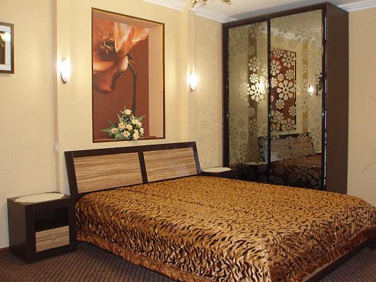 1-комнатная квартира посуточно в Керчи. ул. Свердлова, 26. Фото 1