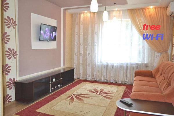 1-комнатная квартира посуточно в Днепропетровске. Октябрьский район, Набережная Победы, 108. Фото 1