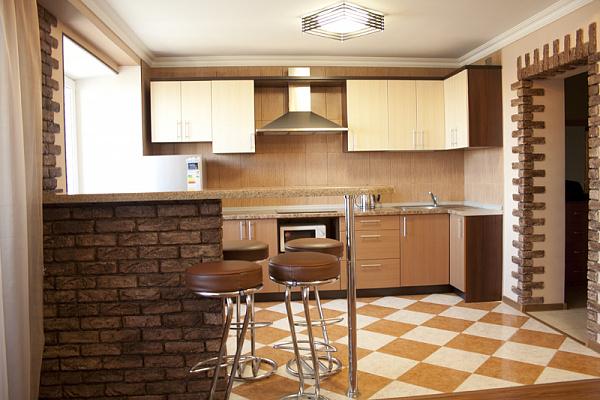 3-комнатная квартира посуточно в Киеве. Соломенский район, Стадионная, 6. Фото 1