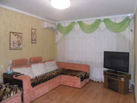 1-комнатная квартира посуточно в Энергодаре. В-Интер, 10. Фото 1