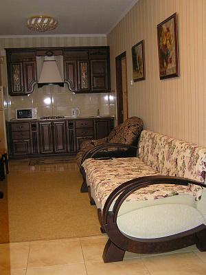 2-комнатная квартира посуточно в Партените. ул. Парковая, 3. Фото 1