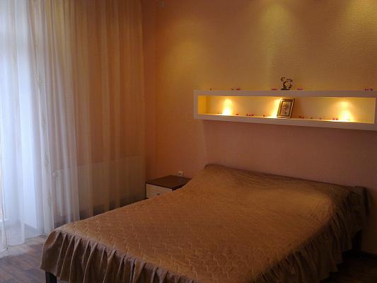 2-комнатная квартира посуточно в Кривом Роге. Дзержинский район, Постышева, 11. Фото 1