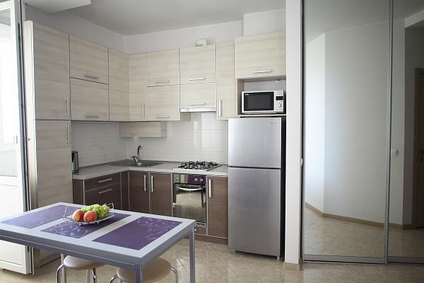1-комнатная квартира посуточно в Севастополе. Гагаринский район, ул. Павла Корчагина, 60. Фото 1