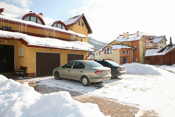 Дом  посуточно в Славском. ул. И.Франка, 26-А. Фото 1