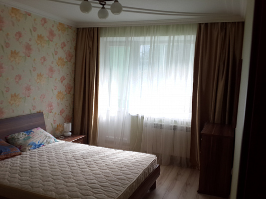2-комнатная квартира посуточно в Луцке. Бенделиани, 1. Фото 1