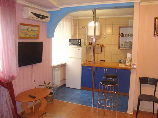 1-комнатная квартира посуточно в Херсоне. Днепровский район, б-р Мирный, 6. Фото 1