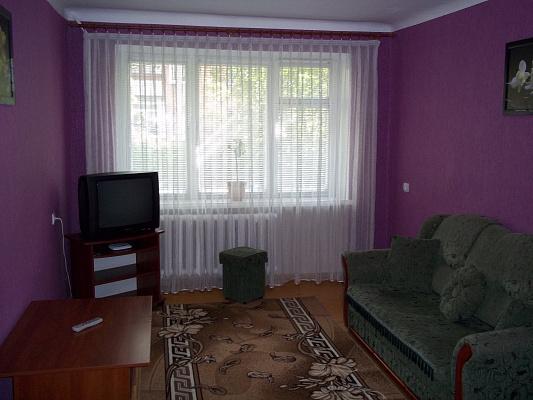 1-комнатная квартира посуточно в Ровно. ул. Марка Вовчка, 29. Фото 1