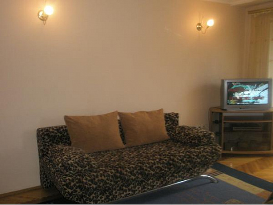 3-комнатная квартира посуточно в Тернополе. ул. Замковая, 16. Фото 1