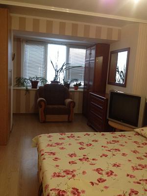 2-комнатная квартира посуточно в Измаиле. пр-т Миру(Ленина), 38. Фото 1