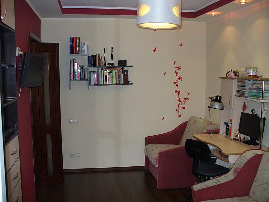 1-комнатная квартира посуточно в Киеве. Дарницкий район, Полесская, 20. Фото 1