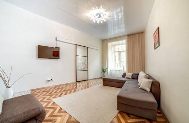2-комнатная квартира посуточно в Львове. Галицкий район, ул. Академика Гнатюка, 18. Фото 1