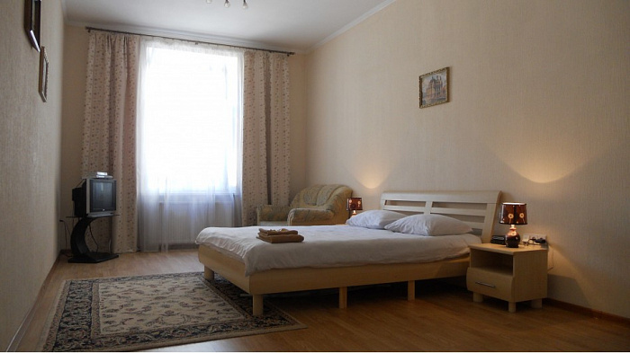 1-комнатная квартира посуточно в Львове. Галицкий район, ул. Академика Гнатюка, 17. Фото 1
