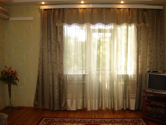 2-комнатная квартира посуточно в Запорожье. Ленинский район, пр-т Металлургов, 5. Фото 1