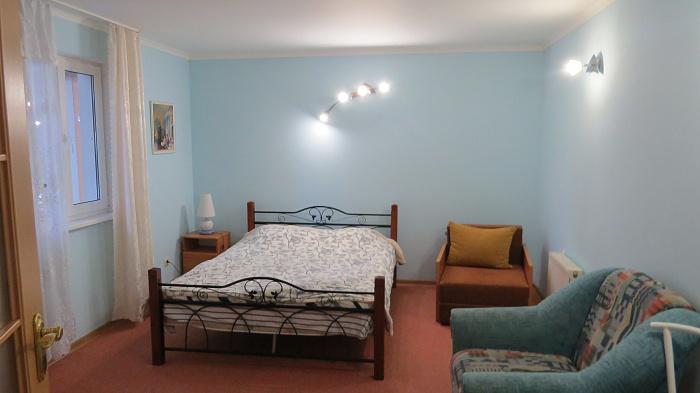 1-комнатная квартира посуточно в Ялте. Центр Ялты район, ул. Чехова, 19А. Фото 1