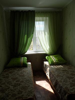 2-комнатная квартира посуточно в Феодосии. пр-т Приморский, 8. Фото 1